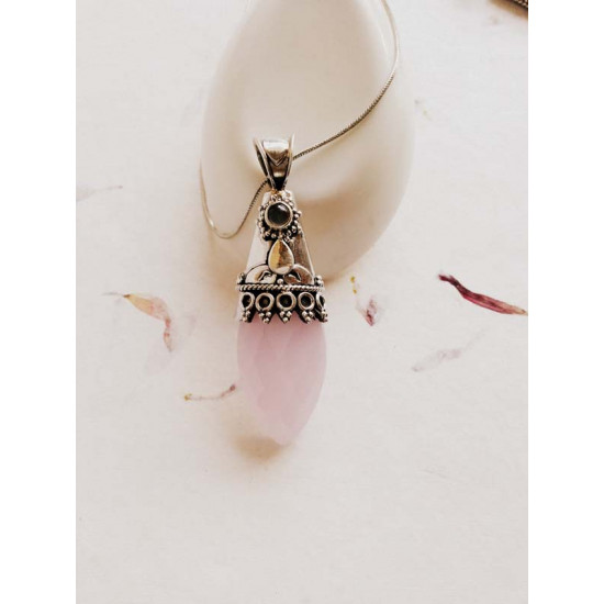 Silver Pendant with Rose Quartz stone